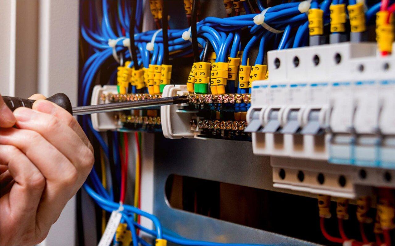 Installazione impianti elettrici Verona - Creazione impianti elettrici Verona